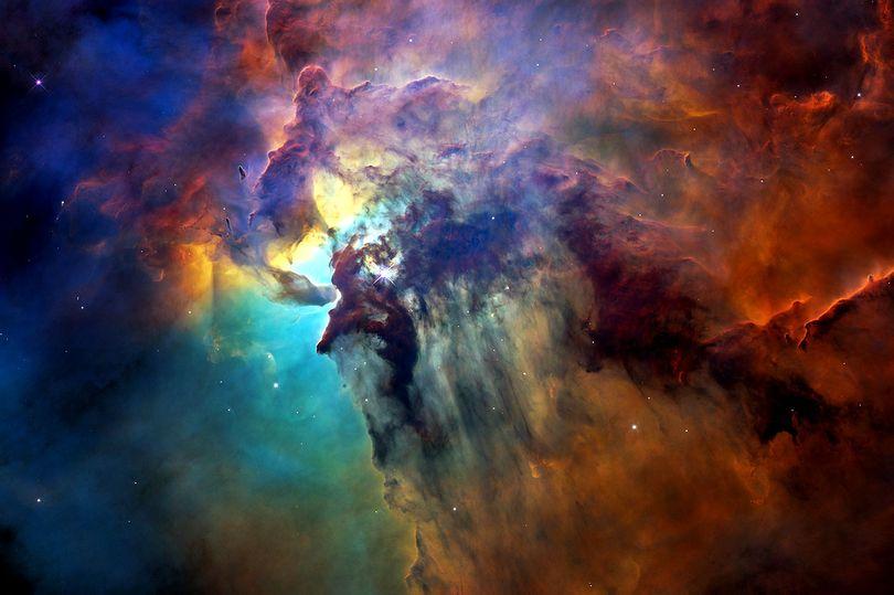 (c) NASA ESA