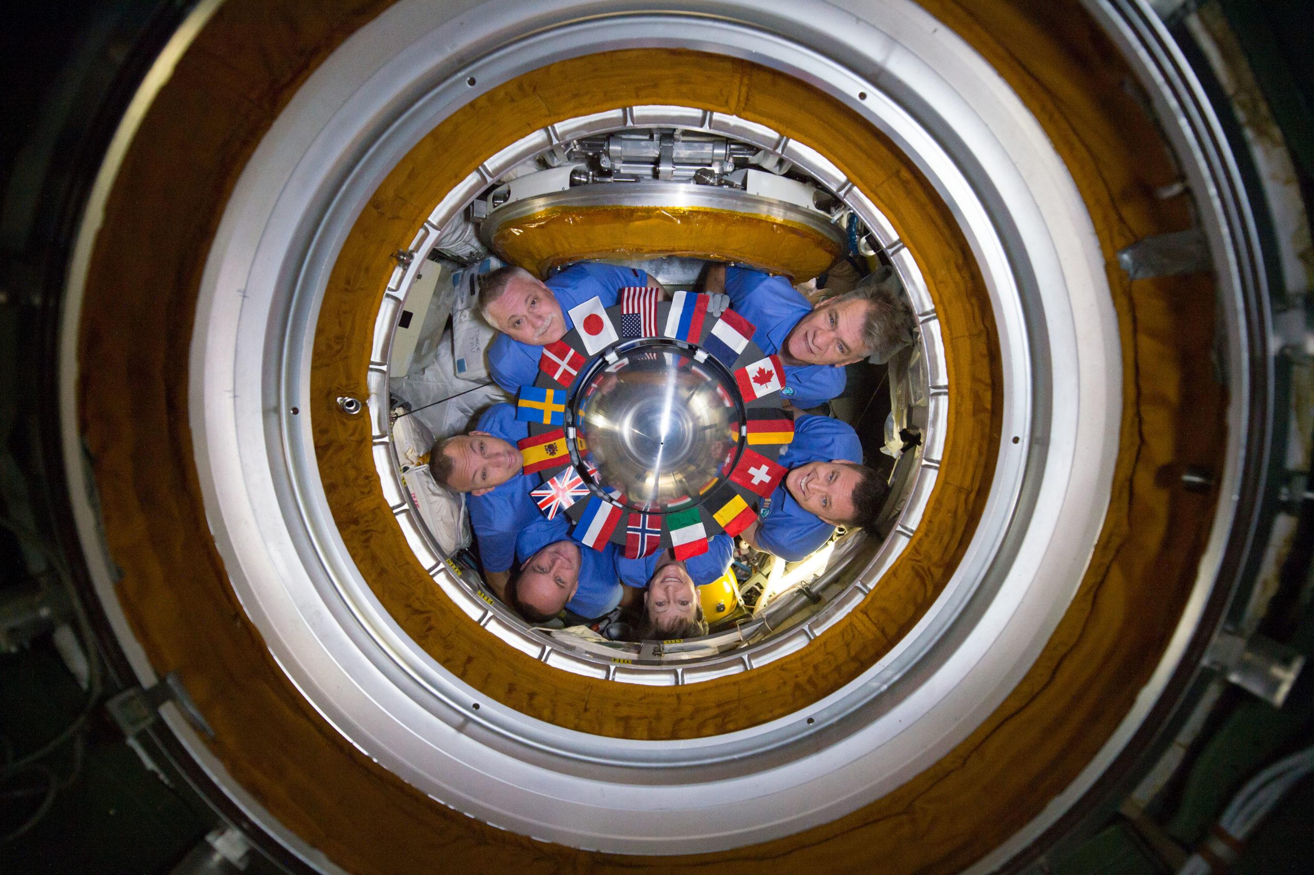 (c) NASA, ESA, ISS